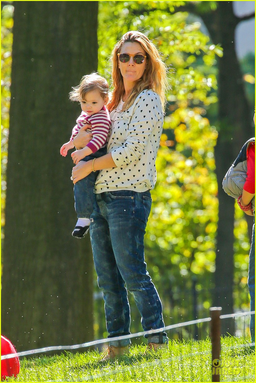 drew barrymore will kopelman central park fun with olive 01