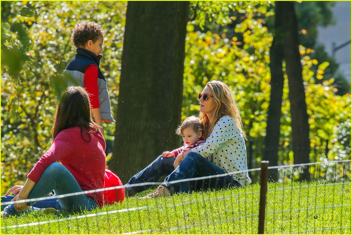 drew barrymore will kopelman central park fun with olive 24