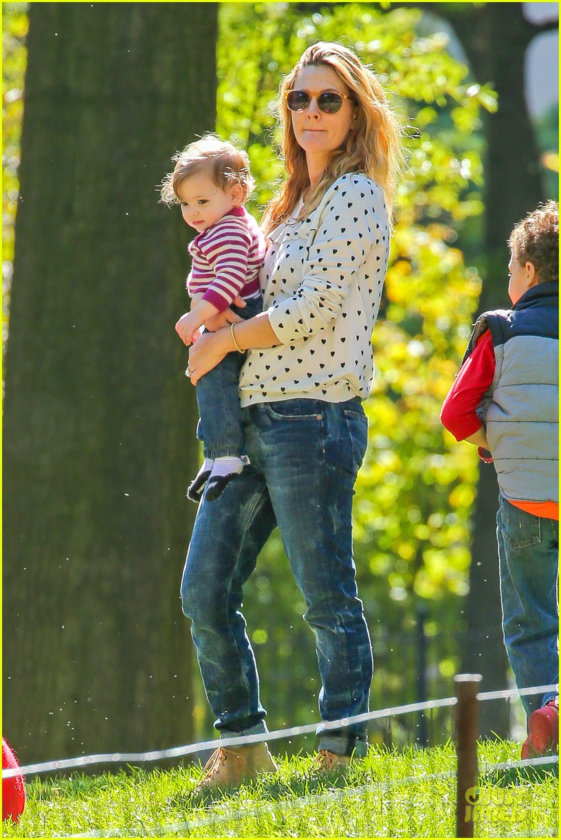 drew barrymore will kopelman central park fun with olive 32