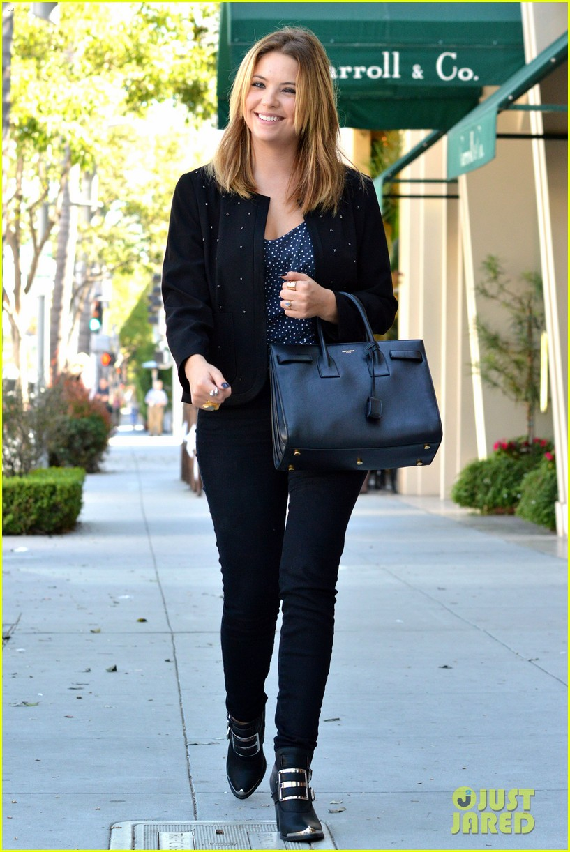 ashley benson grabs lunch with manager thor bradwell 01