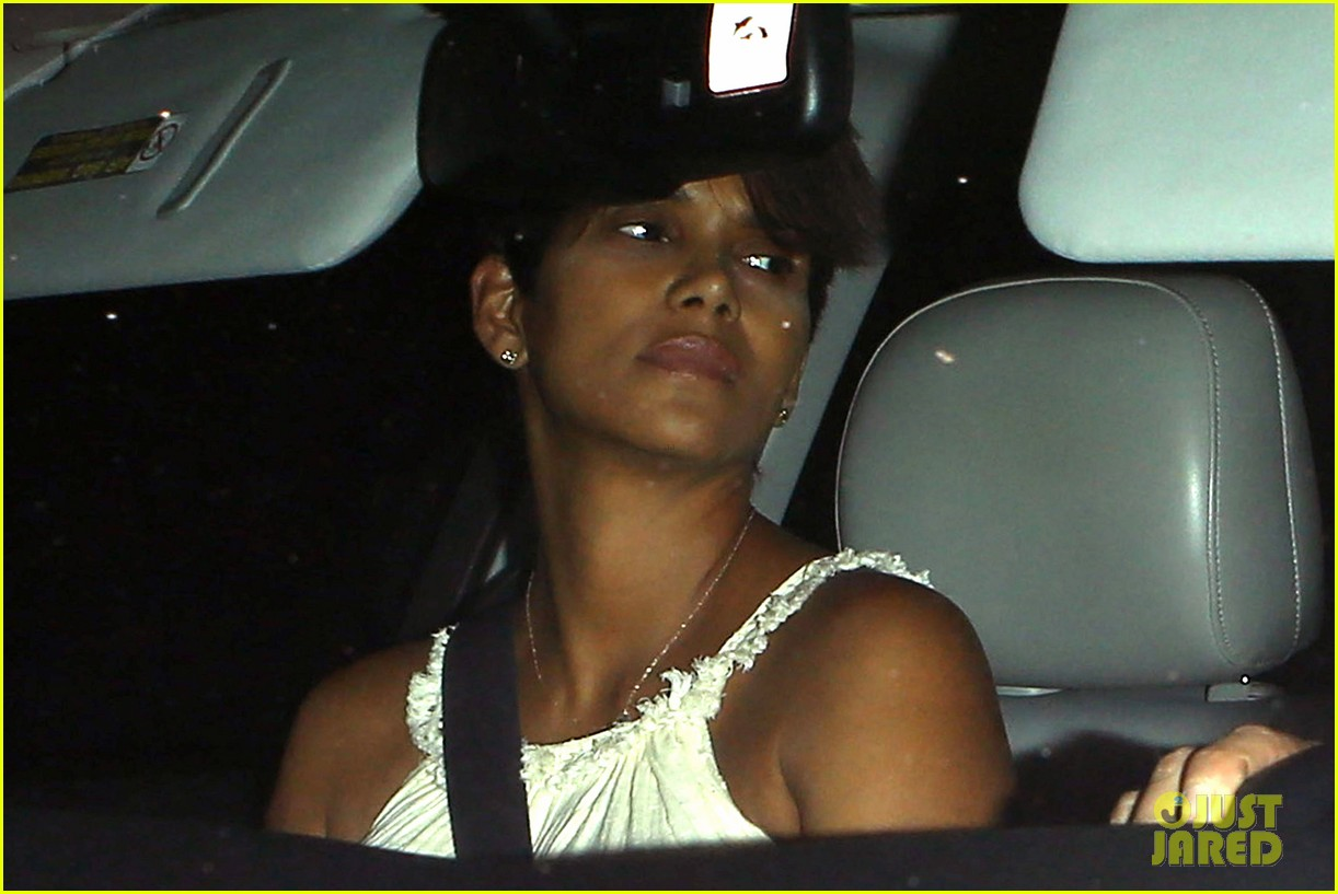 halle berry releases statement about anti paparazzi law 04