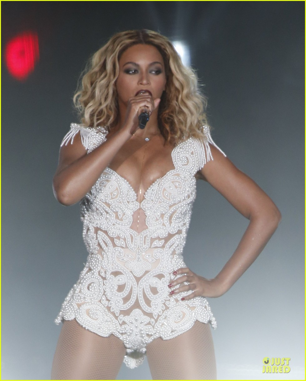 beyonce rock in rio opening night performer 04