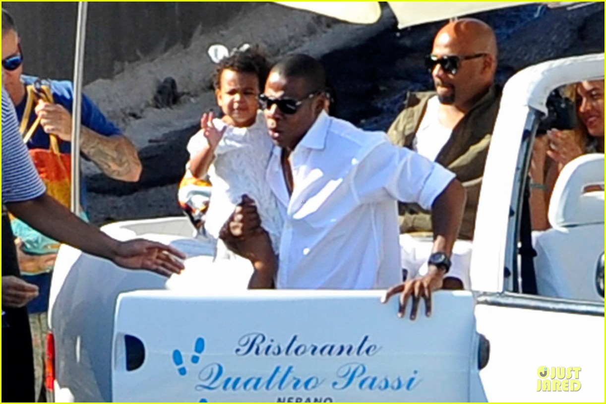 beyonce jay z italian yacht vacation with blue ivy 11