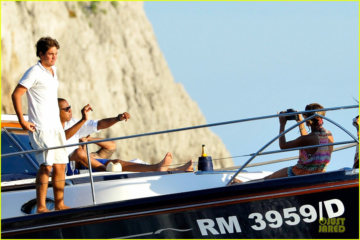 beyonce jay z italian yacht vacation with blue ivy 26