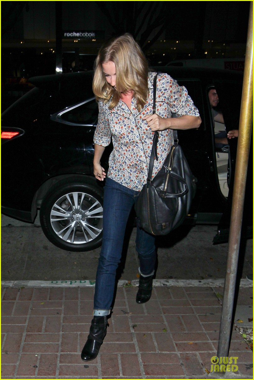 josh bomwan emily vancamp separate food outings 07