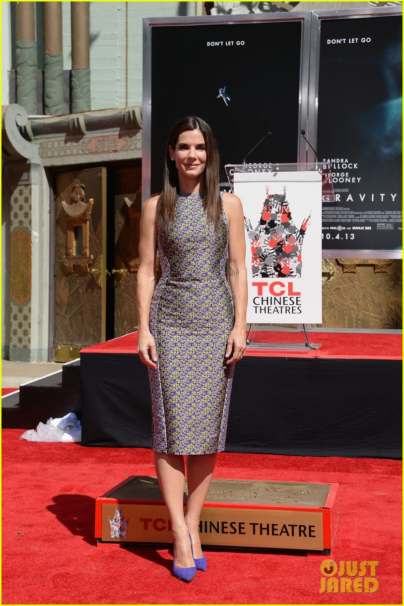 sandra bullock receives handprint at tci chinese theater 072959877