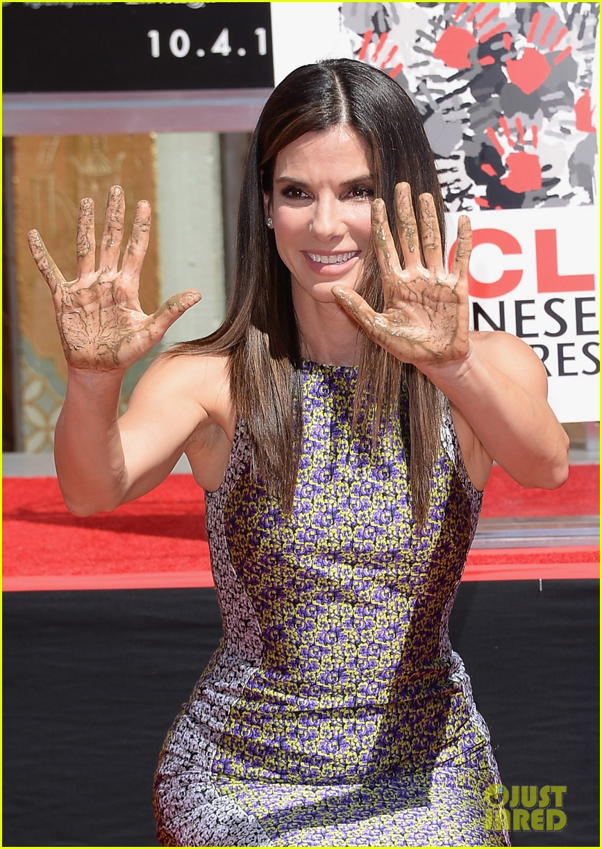 sandra bullock receives handprint at tci chinese theater 112959881