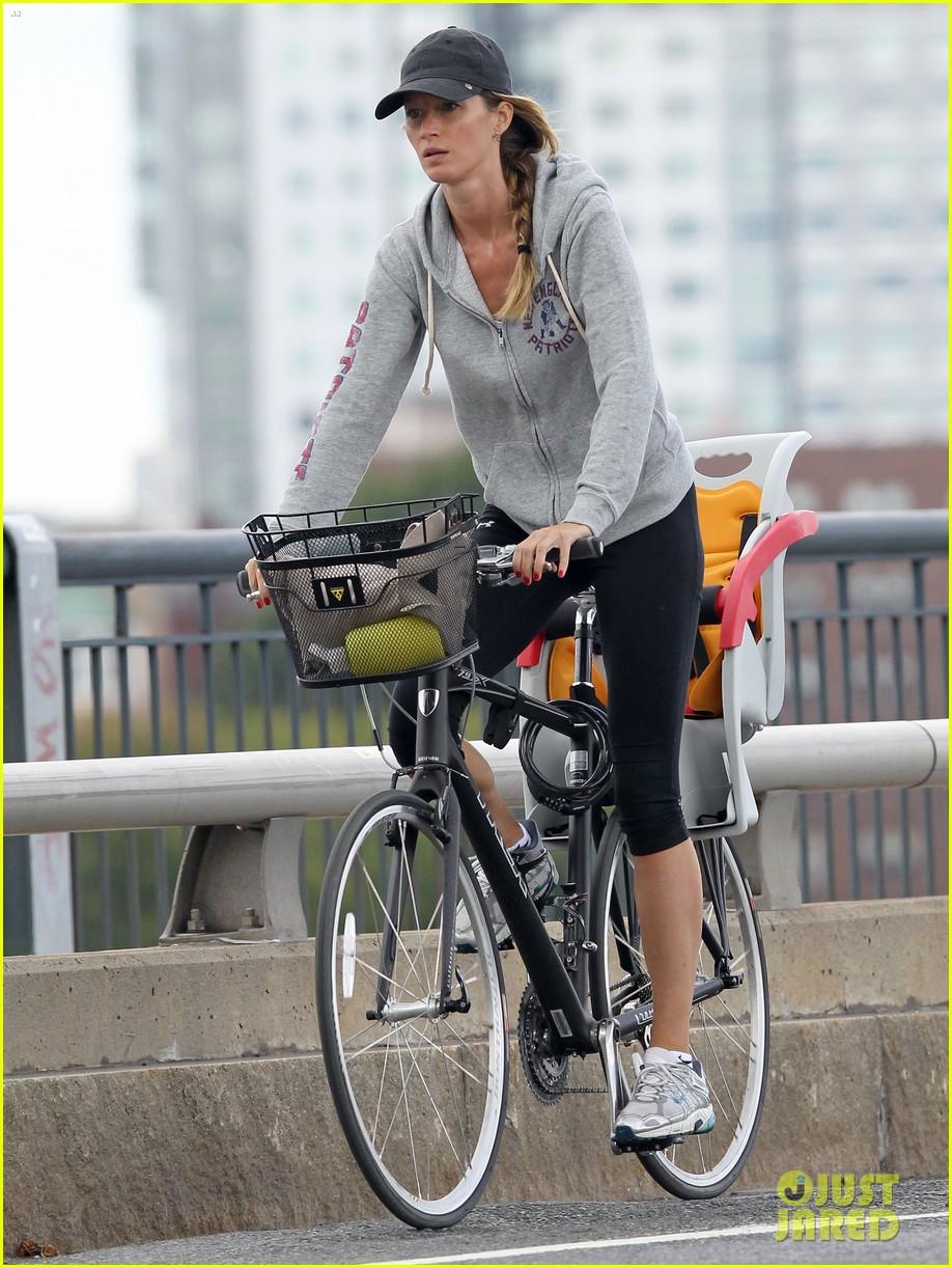 gisele bundchen rides bike tom brady scoots with benjamin 052947108