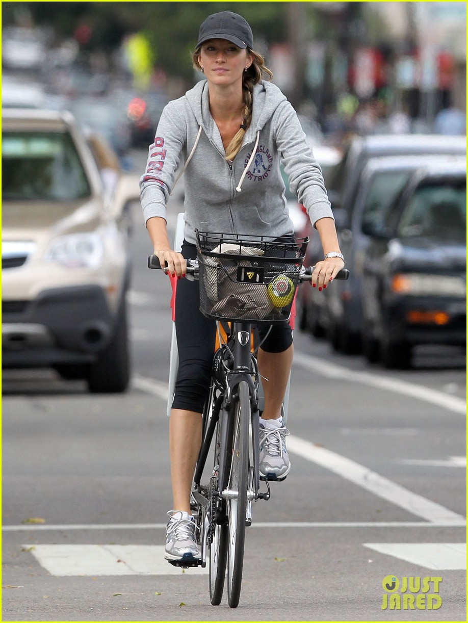 gisele bundchen rides bike tom brady scoots with benjamin 13