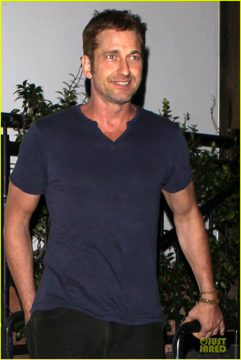 gerard butler cecconi dinner after god of egypt news 02