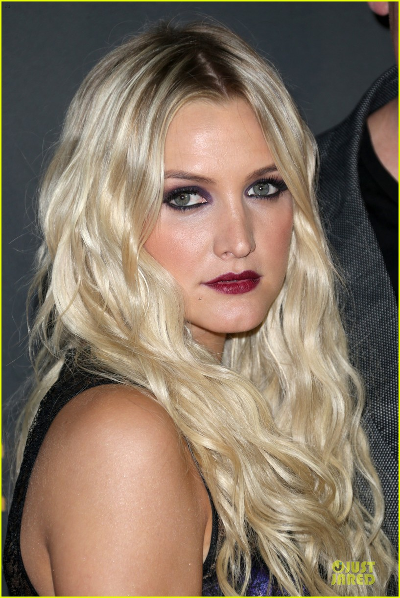 kristin chenoweth ashlee simpson ew pre emmy party 082956676