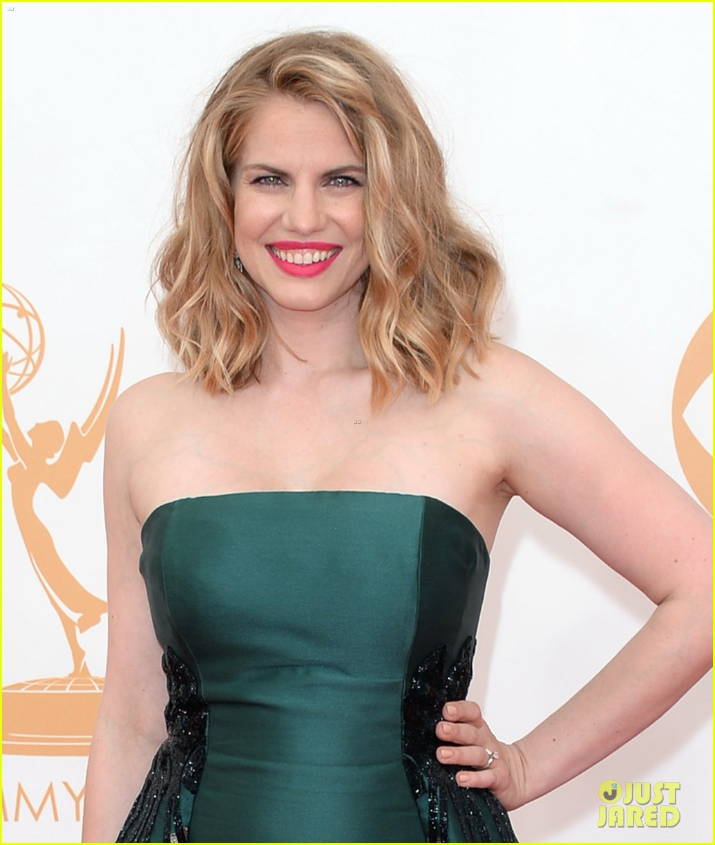 veep anna chlumsky emmys 2013 red carpet 022957977