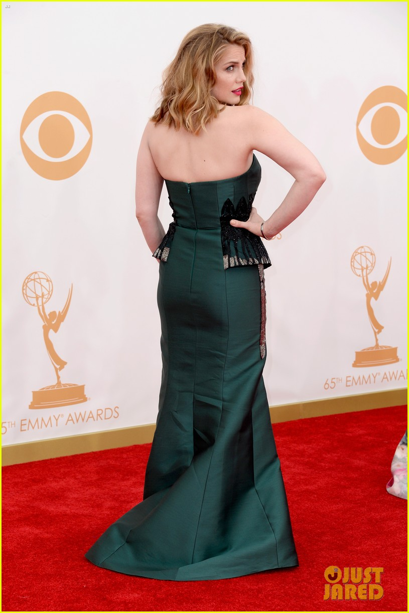 veep anna chlumsky emmys 2013 red carpet 05