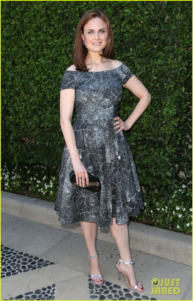 christina hendricks emily deschanel rape foundation annual brunch 07