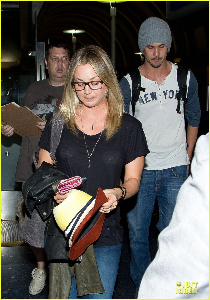 kaley cuoco ryan sweeting depart lax airport together 04
