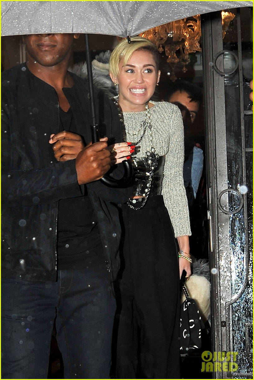 miley cyrus steps out in paris before wrecking ball premiere 07