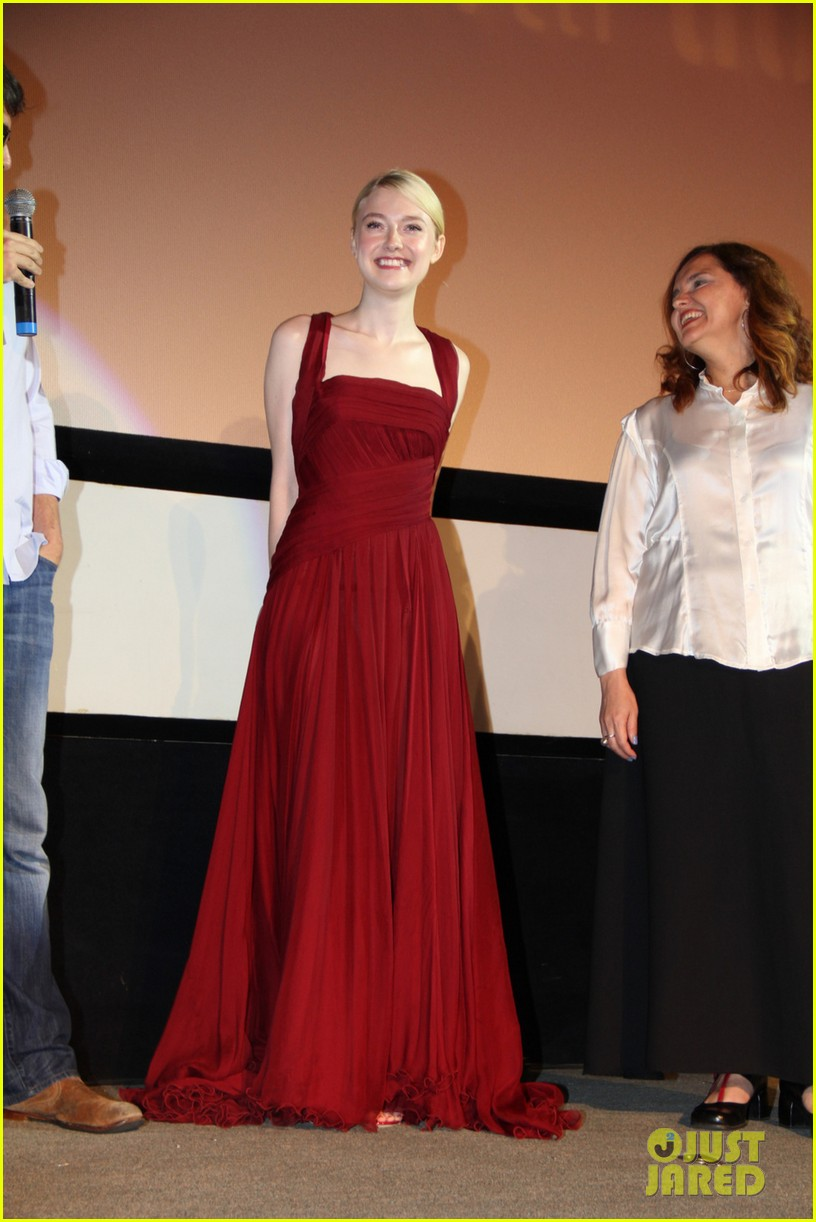 dakota fanning night moves rio premiere 032962319