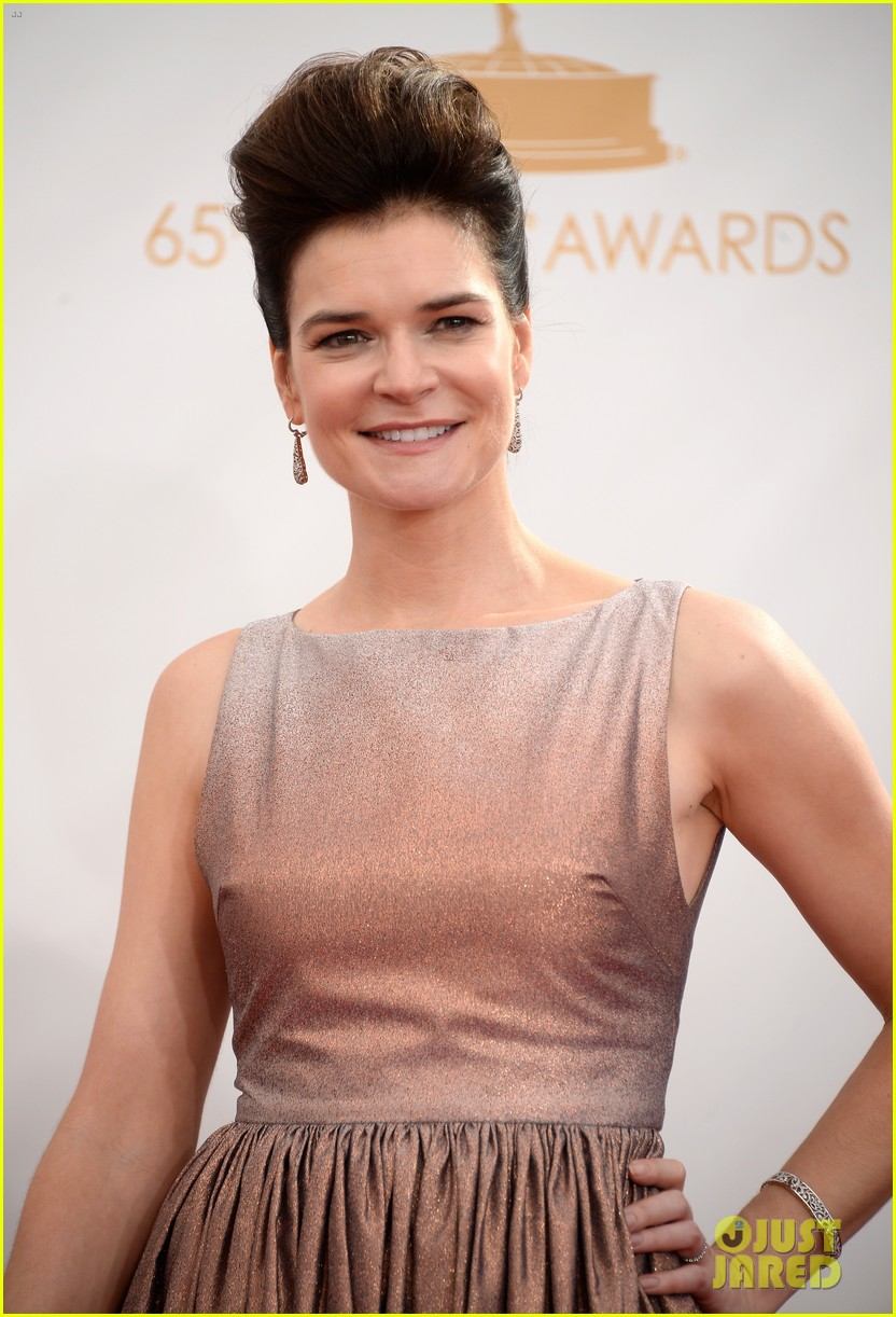 betsy brant dean norris emmys 2013 red carpet 03