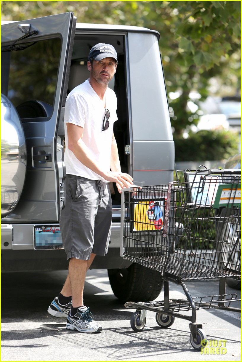 patrick dempsey labor day shopping after grand prix race 04