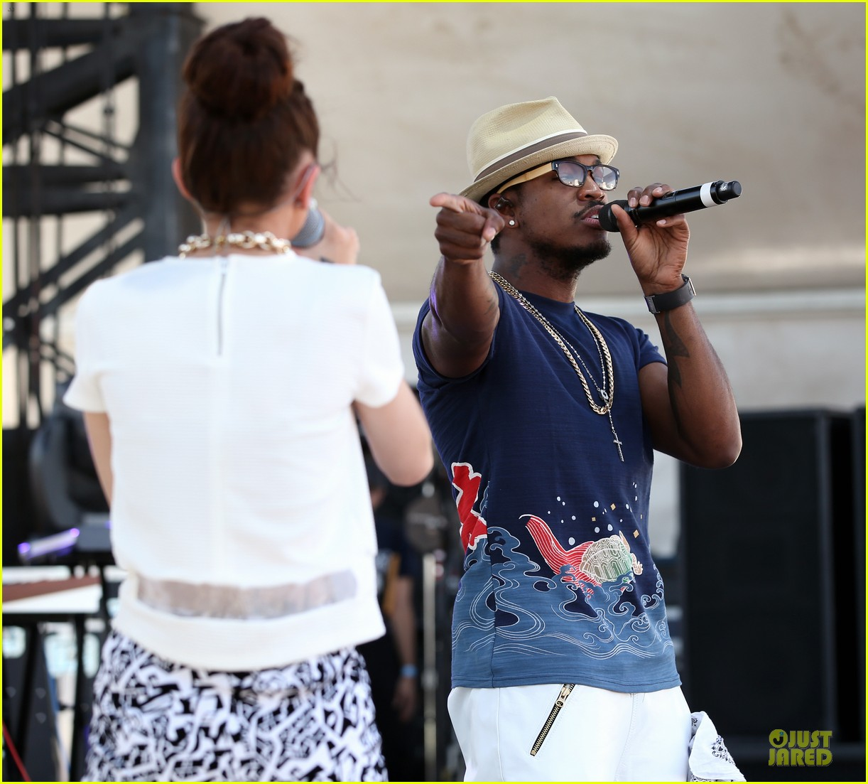 shirtless jason derulo cher lloyd iheartradio fest village performers 08