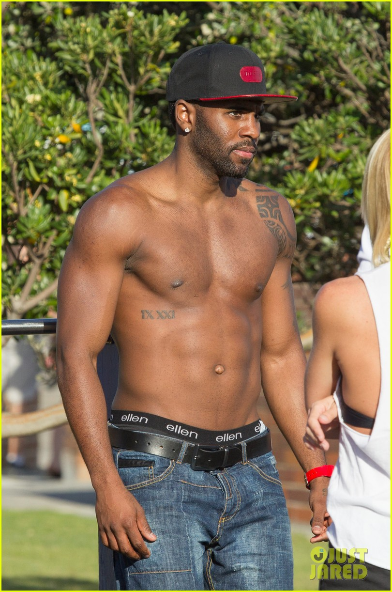 jason derulo shirtless workout in australia 01