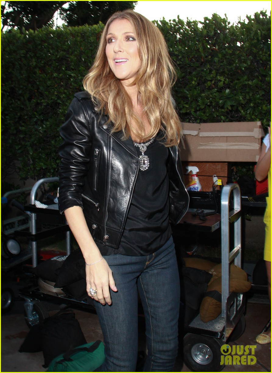 celine dion tapes extra appearance with maria menounos 17