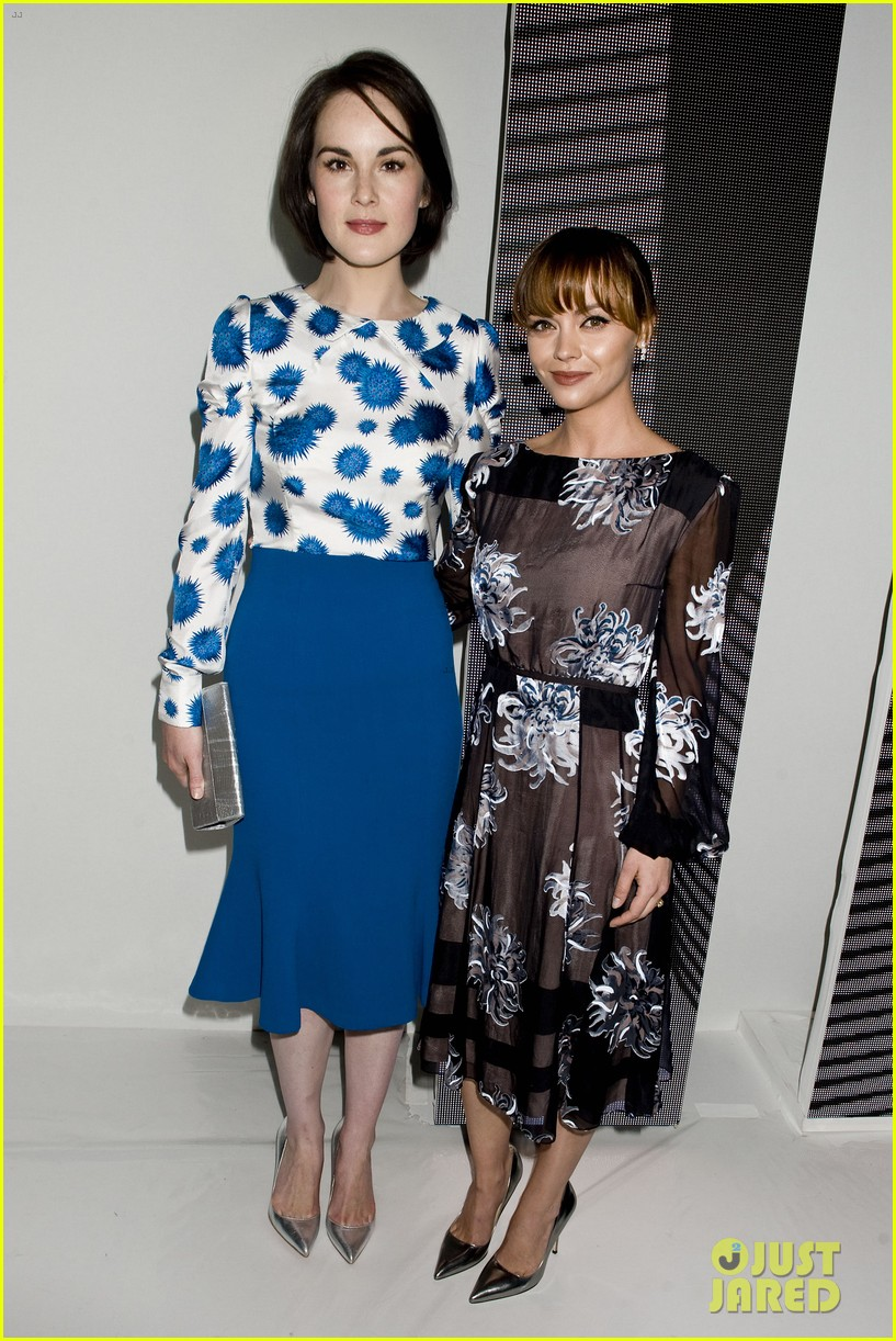 michelle dockery carolina herrera show 14