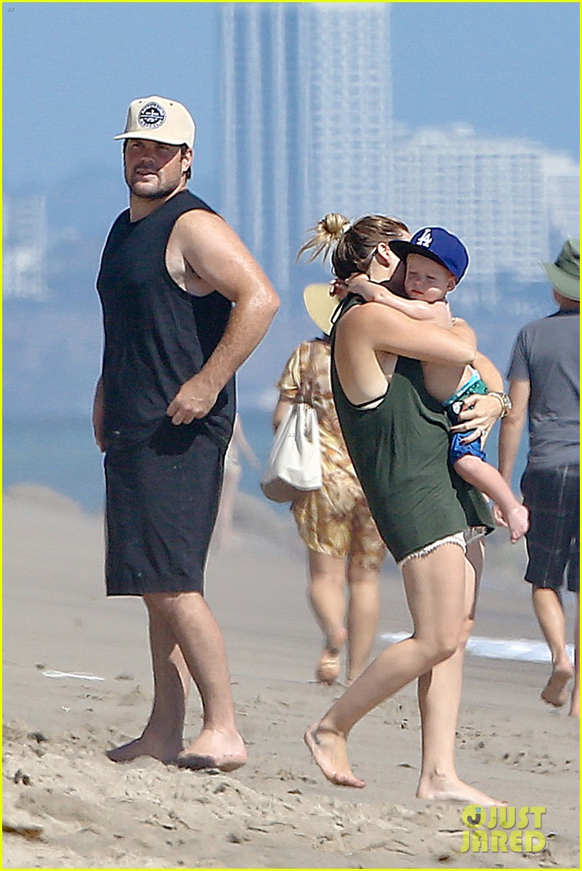 hilary duff mike comrie malibu beach with luca 132943516