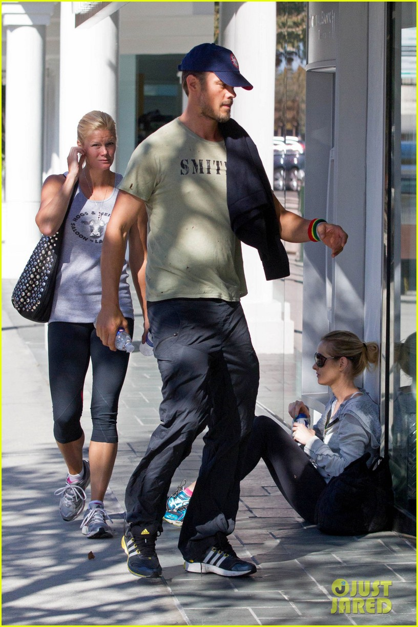 new dad josh duhamel all smiles after baby axls birth 01