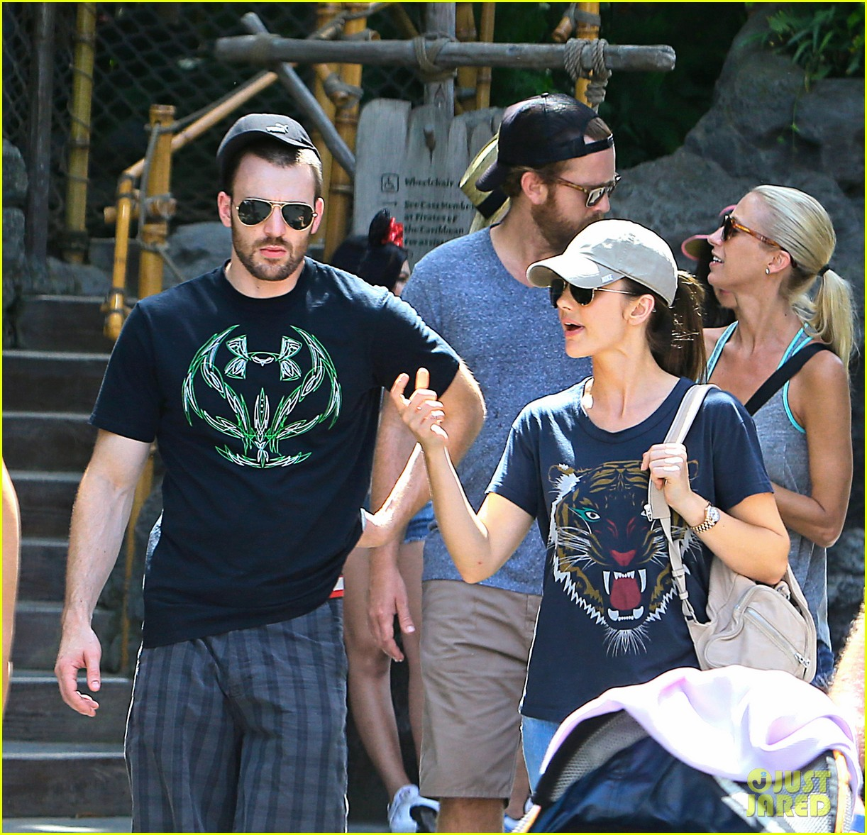 chris evans minka kelly disneyland date 022944114