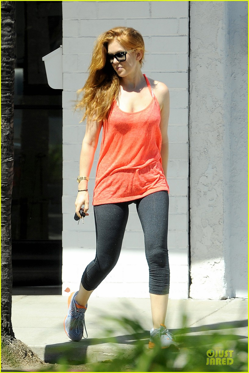 isla fisher fit book worm at iliad bookshop 01
