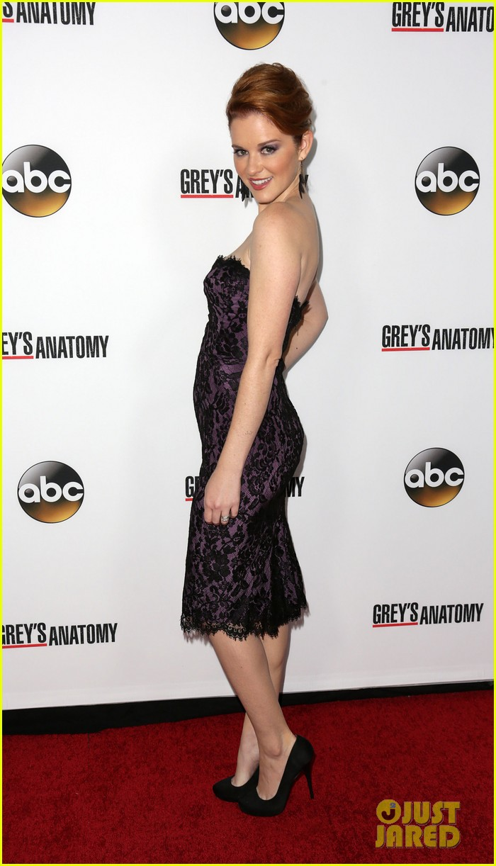 scott foley camilla luddington greys anatomy 200th party 05