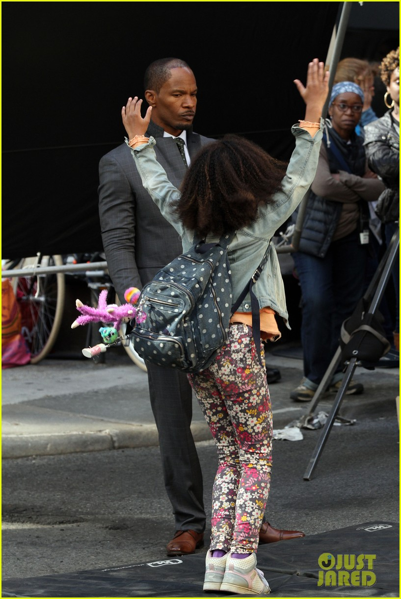 quvenzhane wallis jamie foxx film annie in new york 13