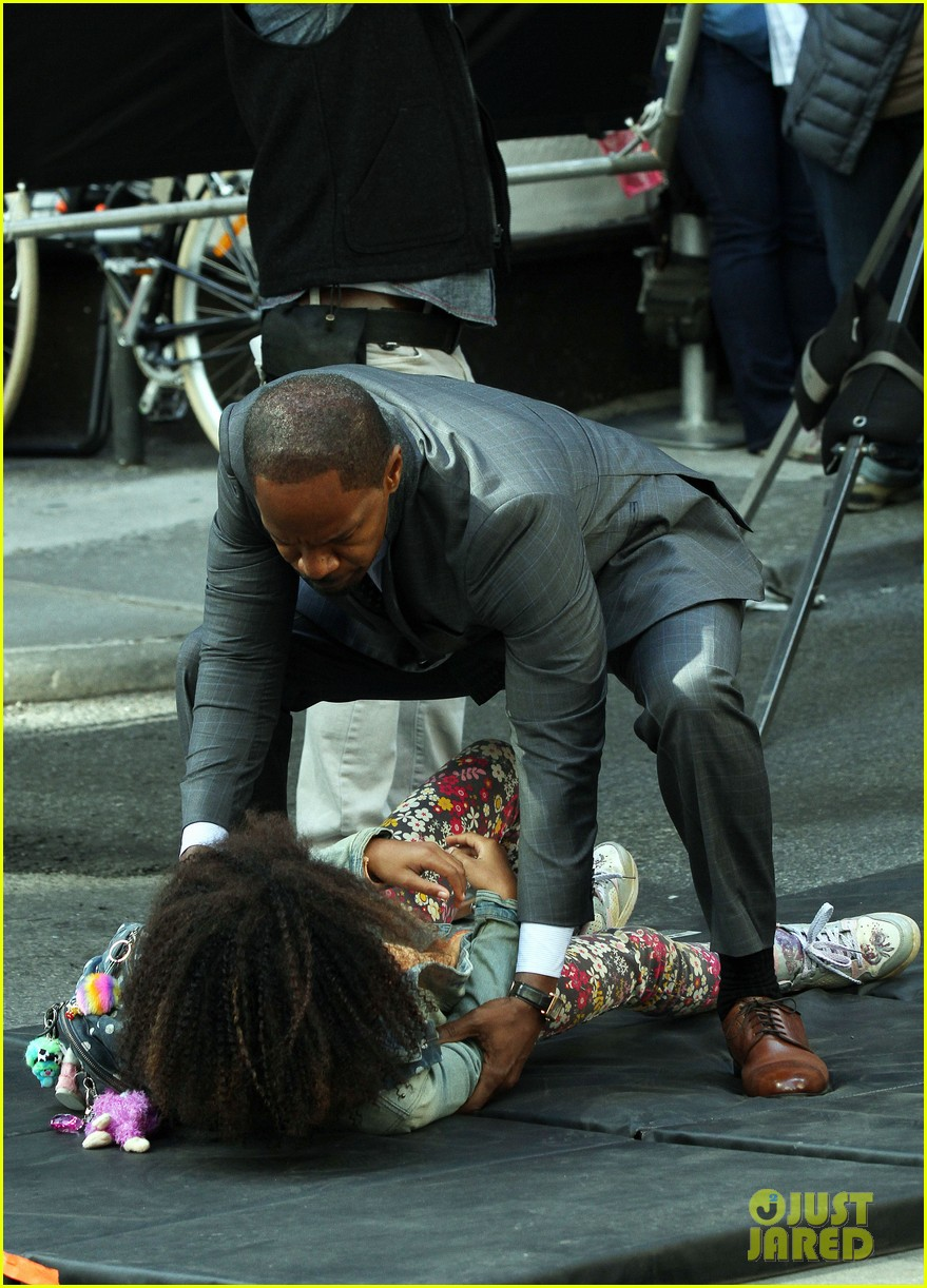 quvenzhane wallis jamie foxx film annie in new york 142960228