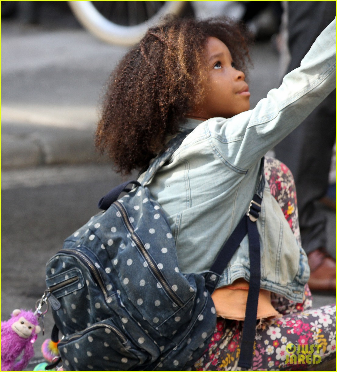 quvenzhane wallis jamie foxx film annie in new york 282960242
