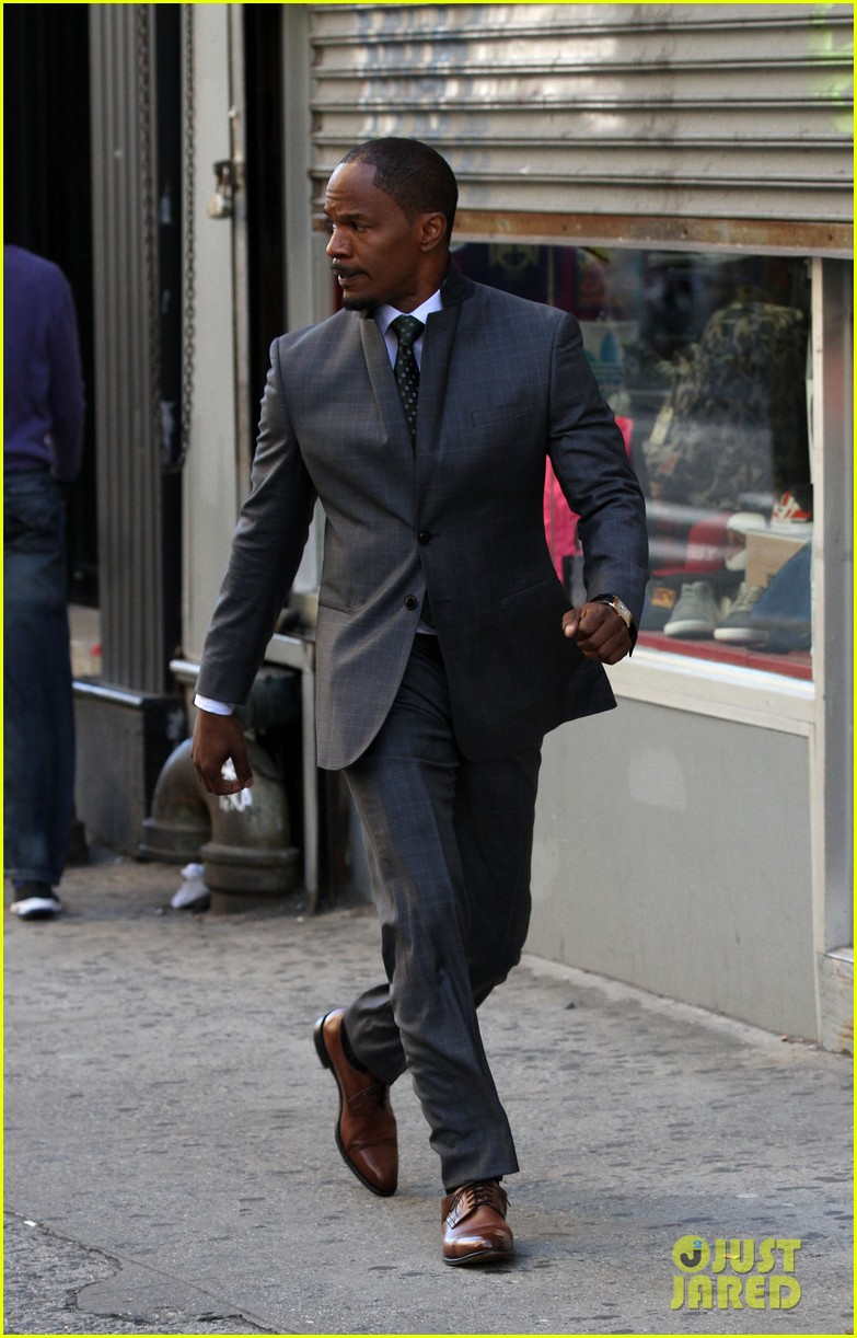 quvenzhane wallis jamie foxx film annie in new york 30