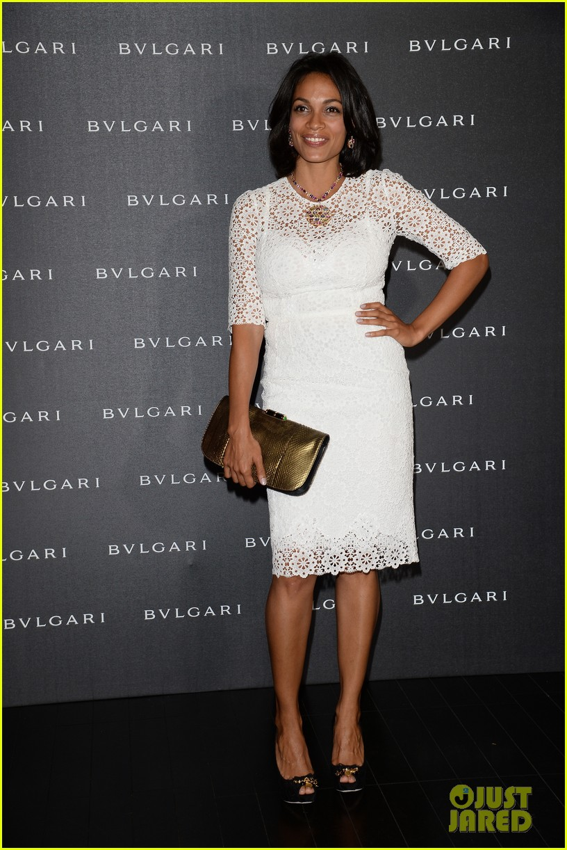 freida pinto rosario dawson bulgari at milan fashion week 01