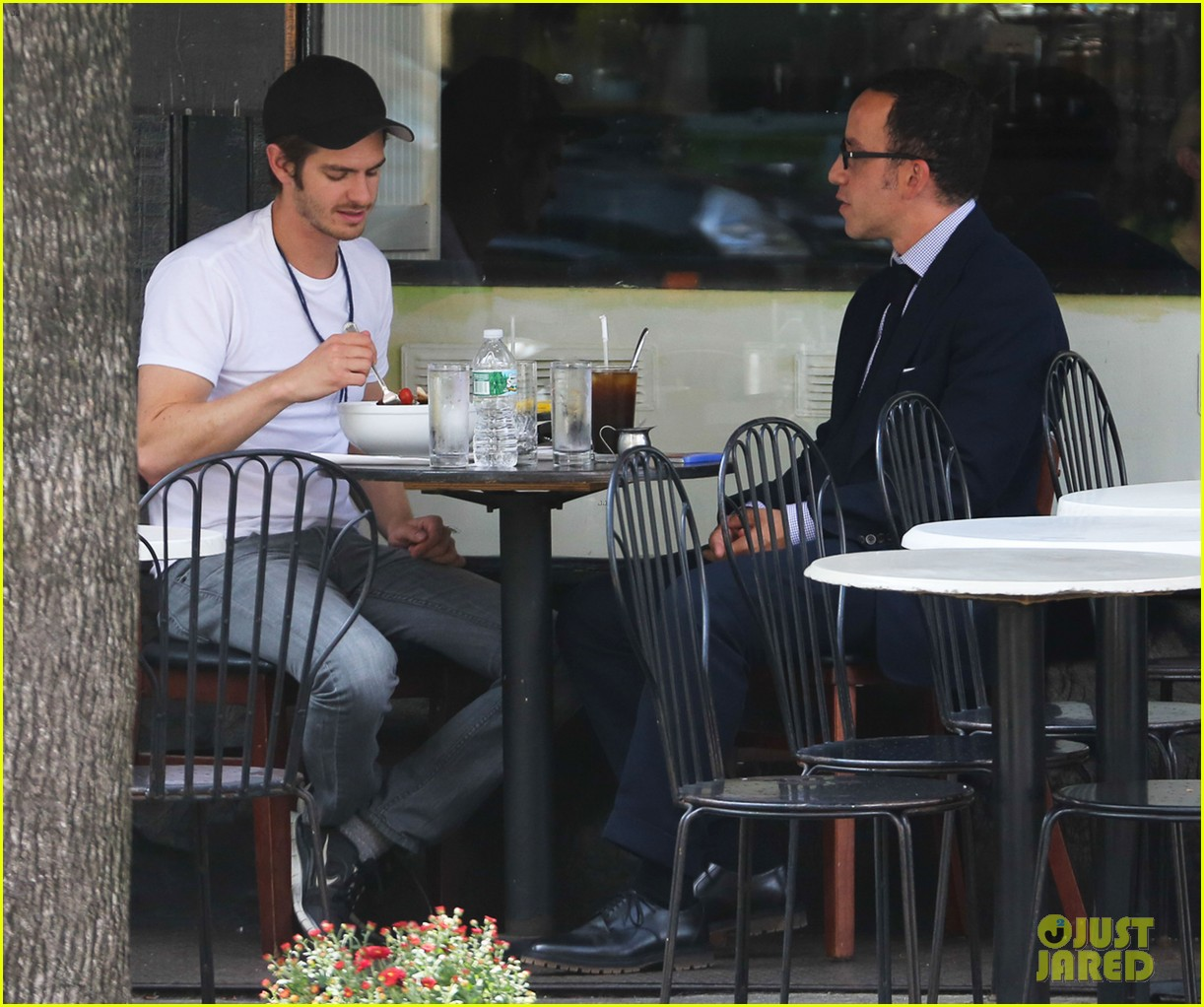 andrew garfield attended friends wedding with emma stone 062944368