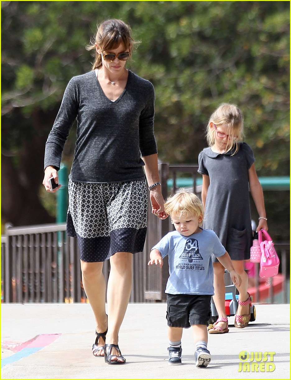 jennifer garner ben affleck separate outings with the kids 12