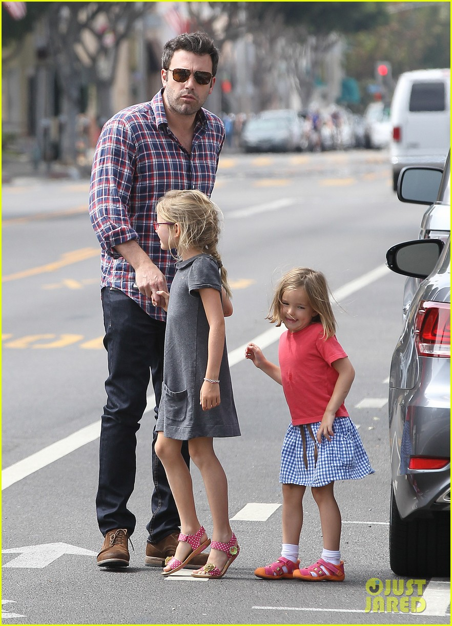 jennifer garner ben affleck separate outings with the kids 142942670