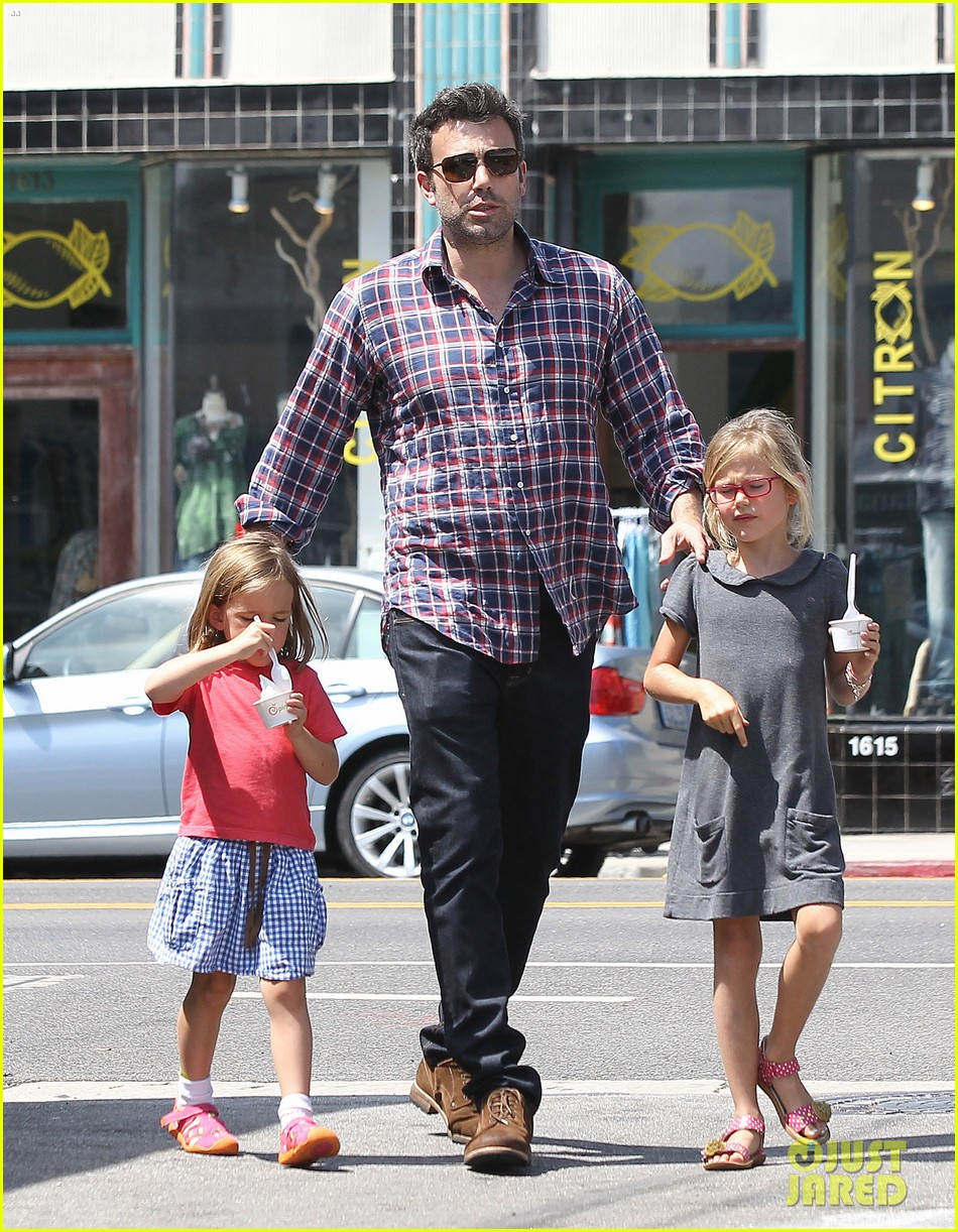 jennifer garner ben affleck separate outings with the kids 222942678
