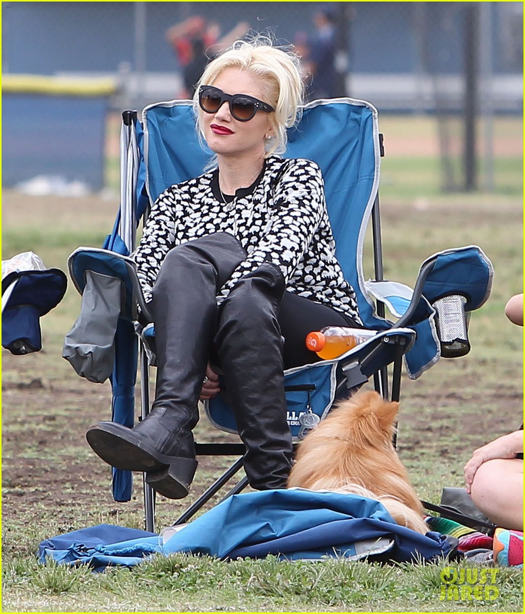 gwen stefani gavin rossdale sit sidelines at kingston soccer game 272957830