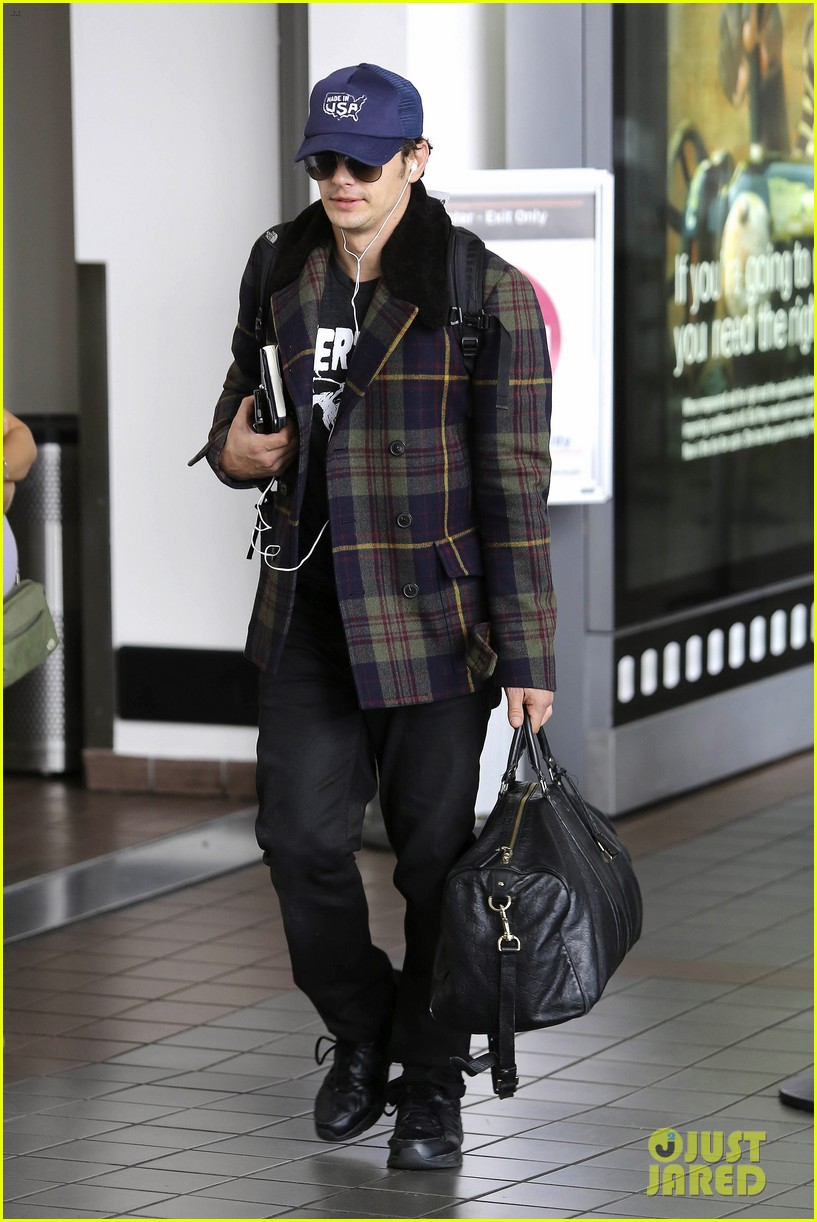 jake gyllenhaal james franco land in los angeles after tiff 05
