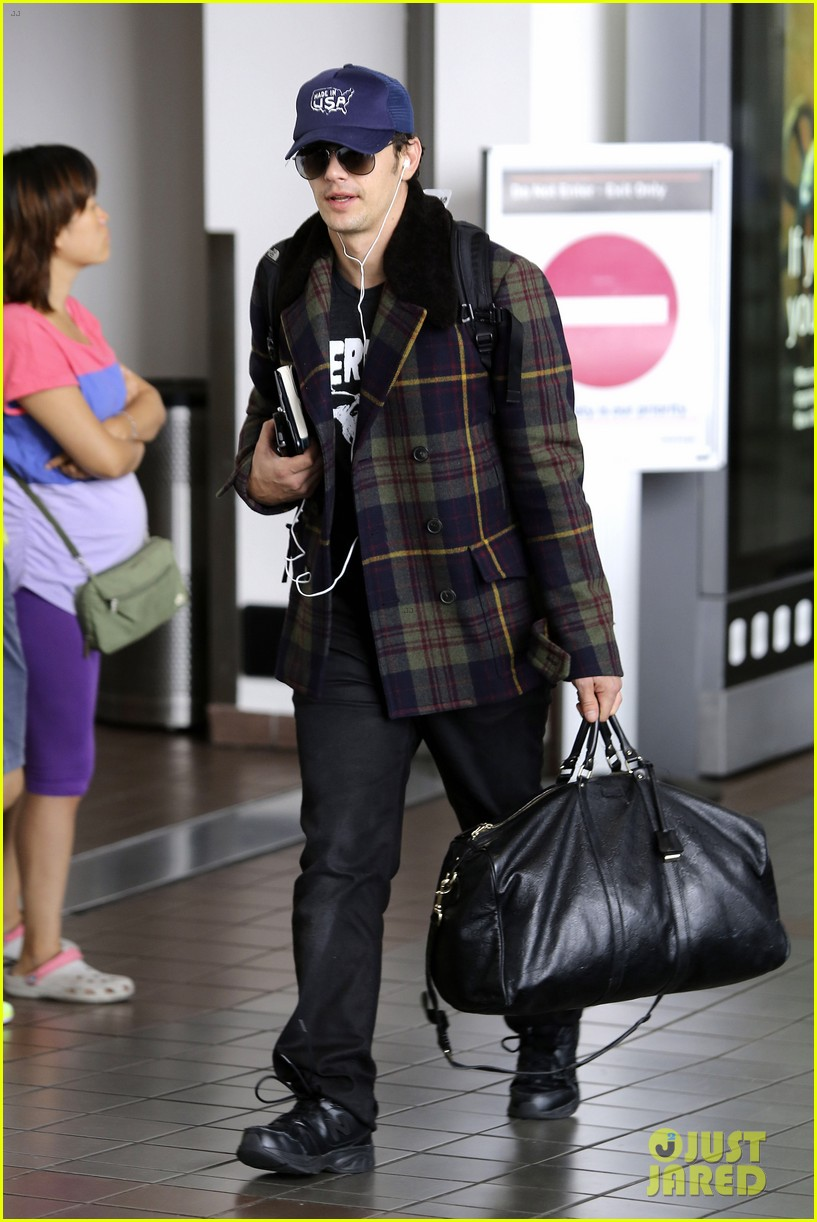 jake gyllenhaal james franco land in los angeles after tiff 08
