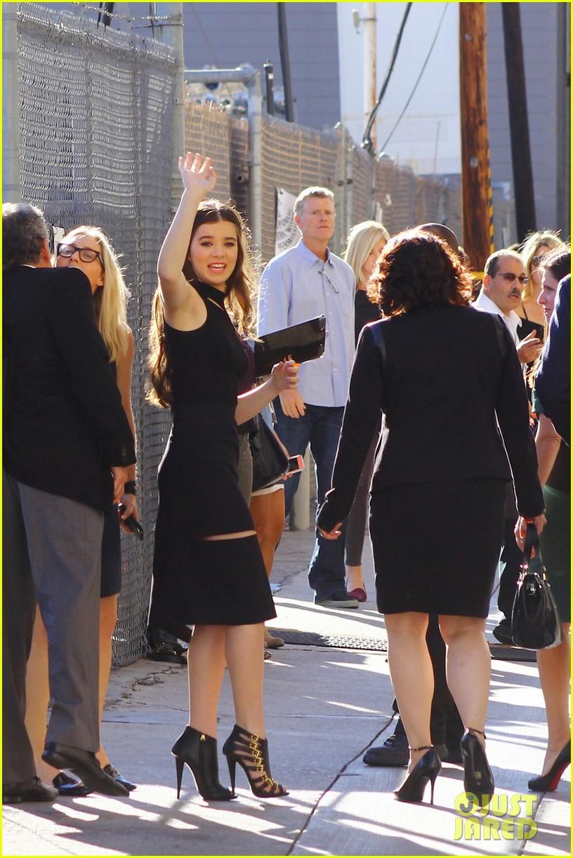 hailee steinfeld promotes romeo juliet on jimmy kimmel 03