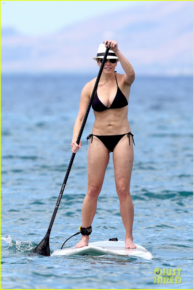 chelsea handler bares bikini beach body in hawaii 122961689