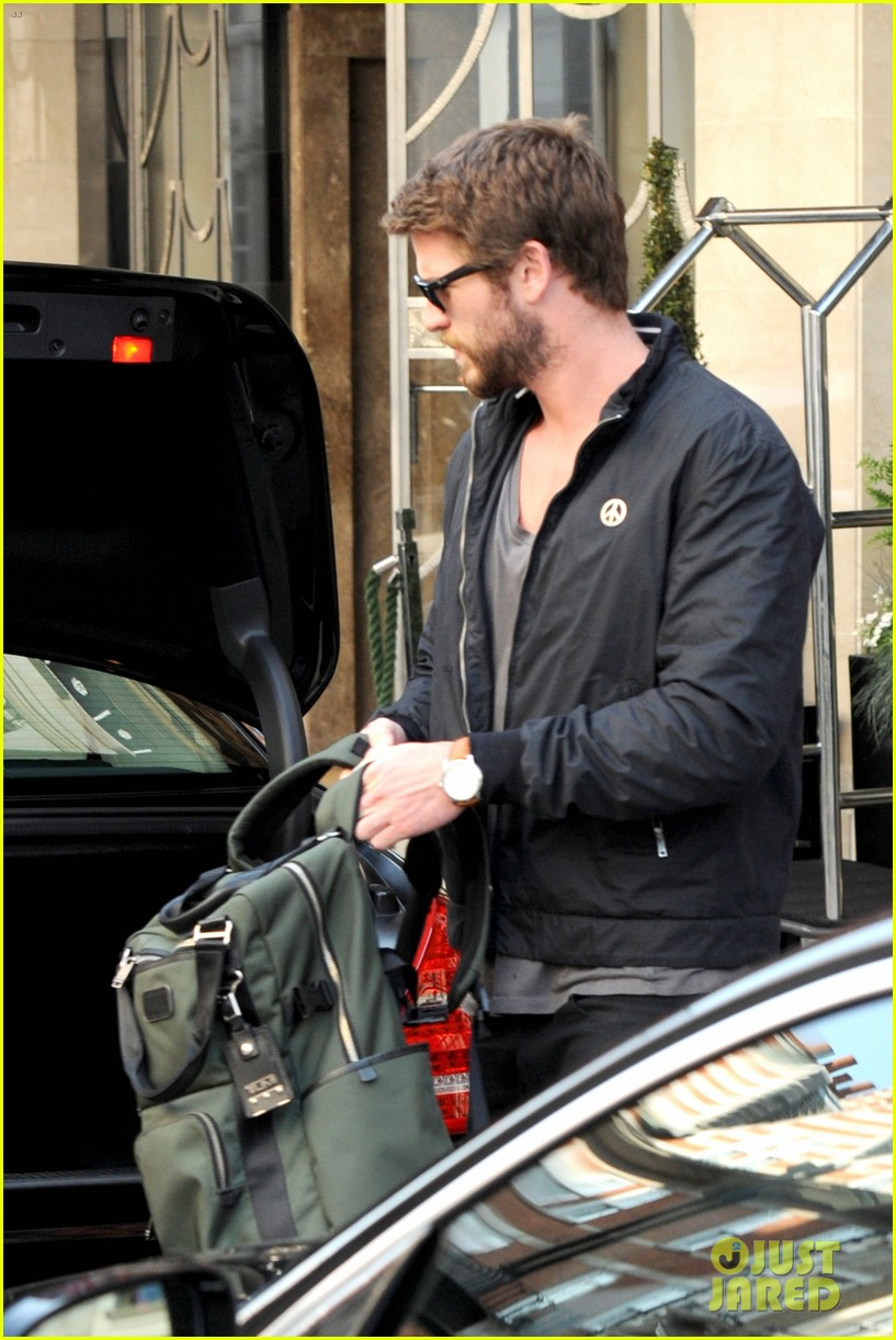 liam hemsworth steps out in london miley cyrus records in l a 13