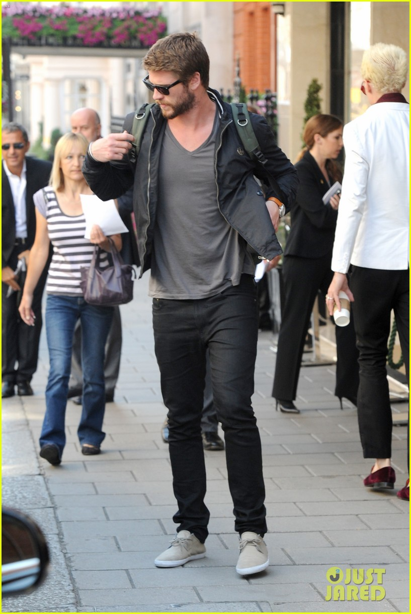liam hemsworth steps out in london miley cyrus records in l a 14