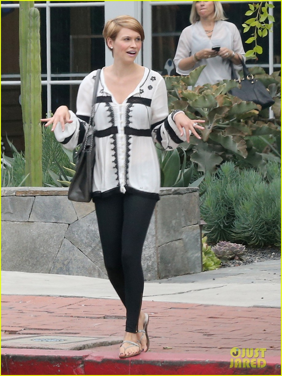 hilary duff girls day out with lisa stelly 25
