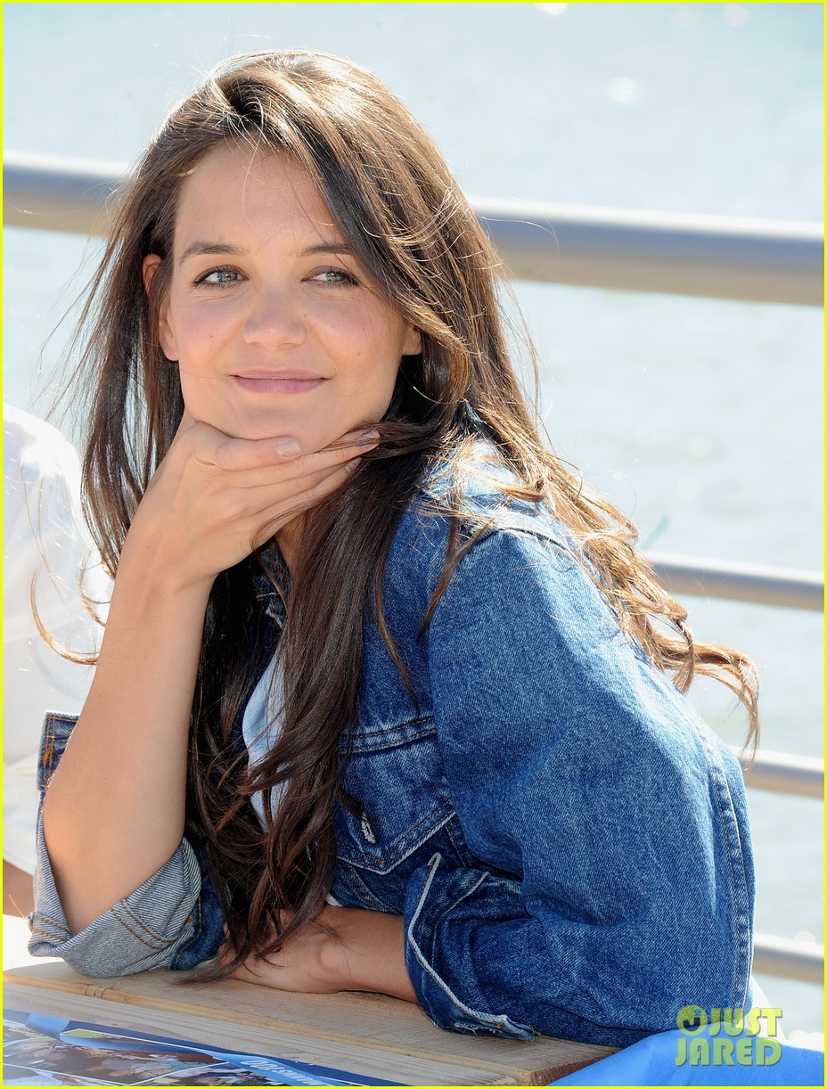 katie holmes hellmens 100th anniversary event 02